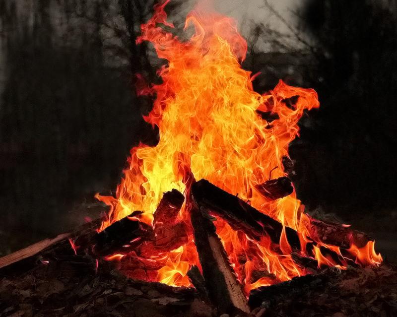 статусы в картинках с огнем
